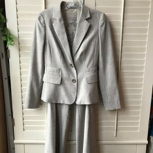 BR Women's Suit - 0P/00P - cream/tan